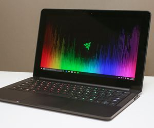 Specification of Apple MacBook Air 13-inch rival: Razer Blade Stealth 512GB, UHD.