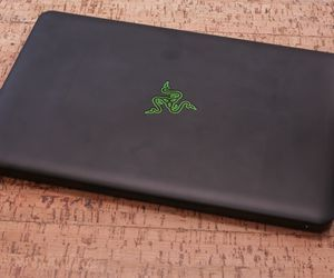 Specification of Apple MacBook Air 13-inch rival: Razer Blade 2015, QHD+.