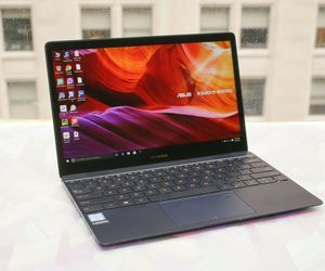Specification of Acer Swift 7 rival: Asus Zenbook 3 UX390UA-XH74-BL.