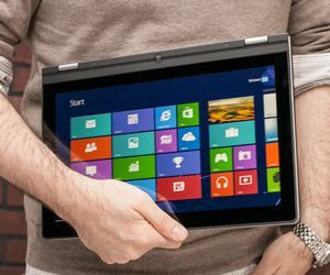 Lenovo IdeaPad Yoga 13 tech specs and cost.