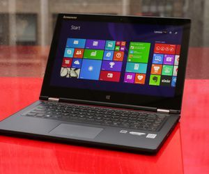 Specification of Lenovo Yoga 900  rival: Lenovo Yoga 2 13 Core i5 1.60GHz, black.
