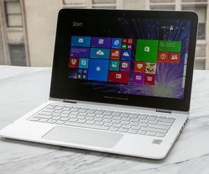 Specification of Fujitsu LIFEBOOK E733 rival: HP Spectre x360 13.3-inch Core i7.